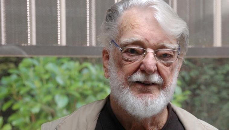 Entrevista realizada por la Fundación DECIDE a Manfred Max Neef 21248fd052e16
